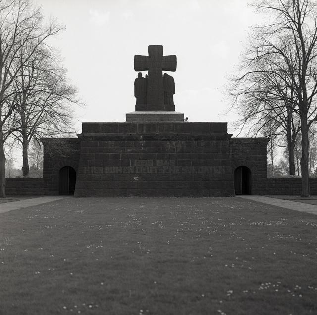 Duitse militaire begraafplaats-216