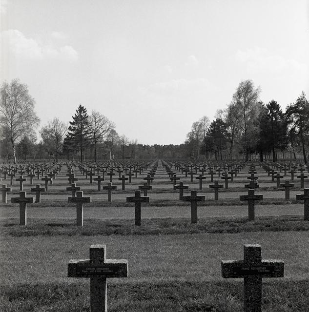Duitse militaire begraafplaats-214
