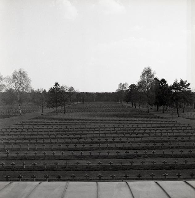 Duitse militaire begraafplaats-220